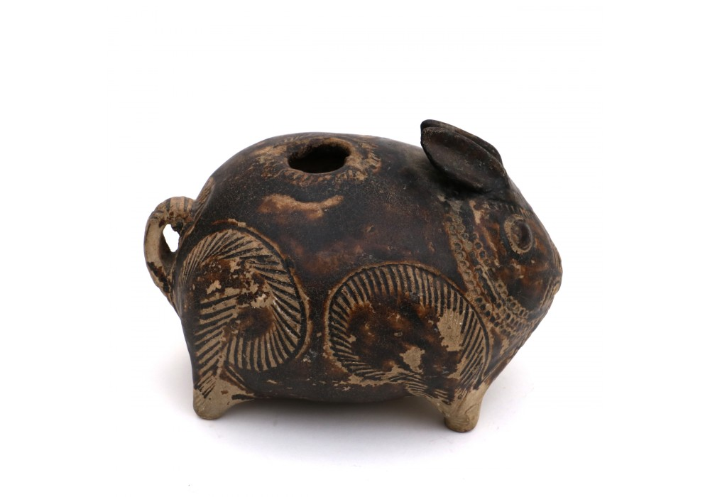 Thai Lime pot in shape of a rabbit