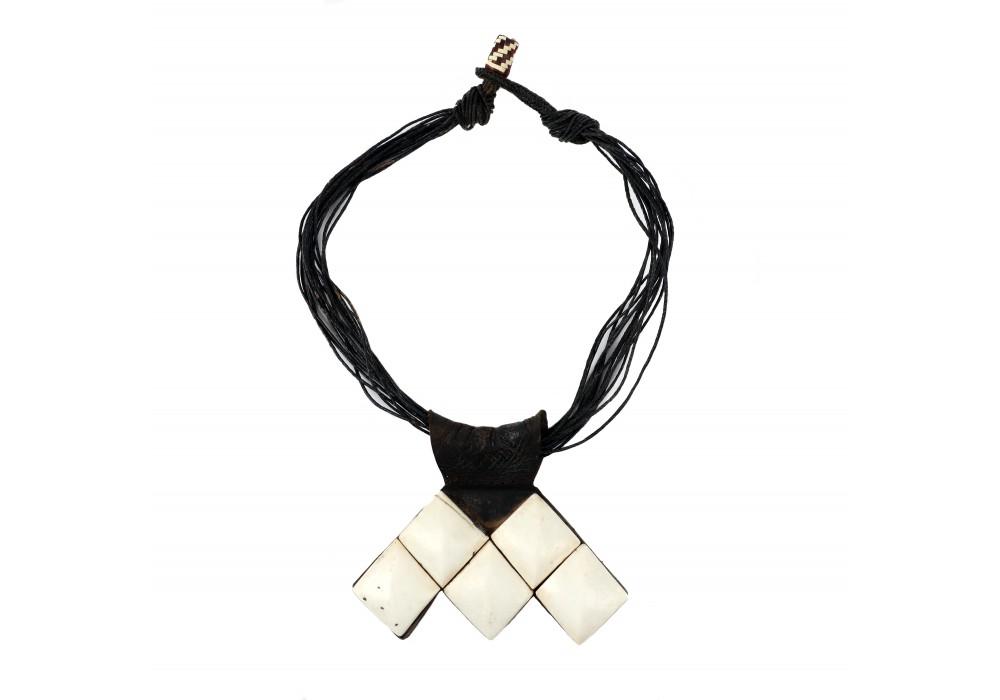 Khumeysa necklace, Tuareg people