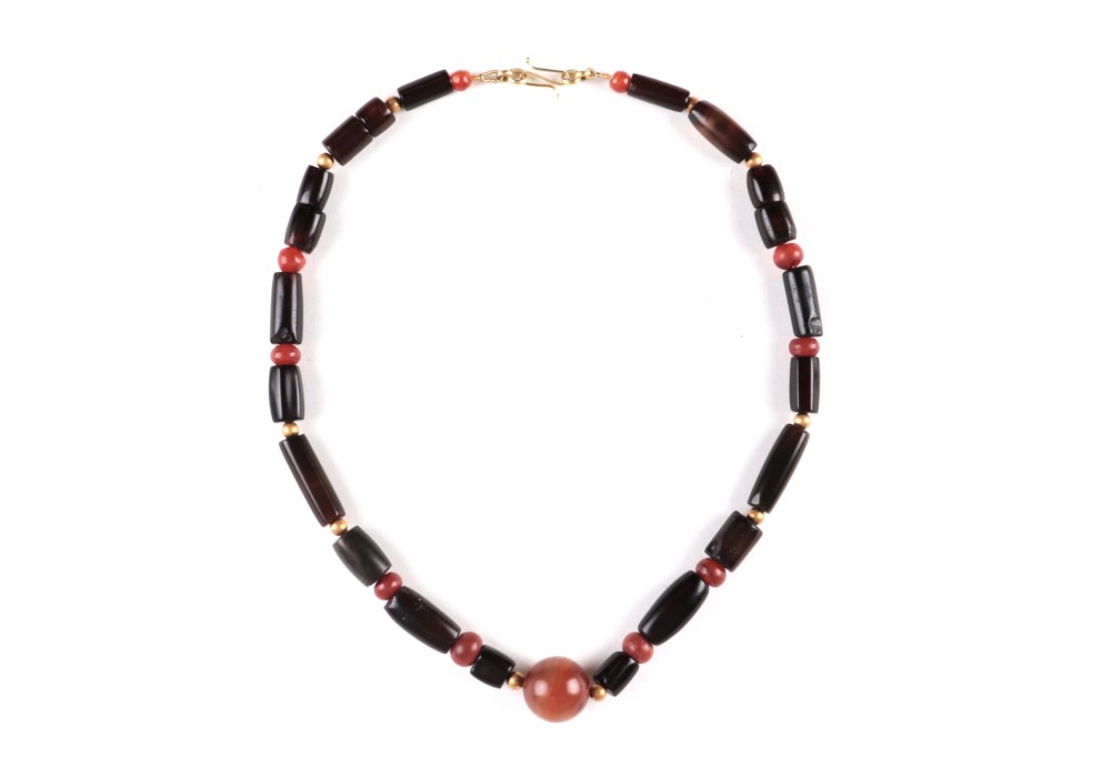 Chinese Necklace in black agate