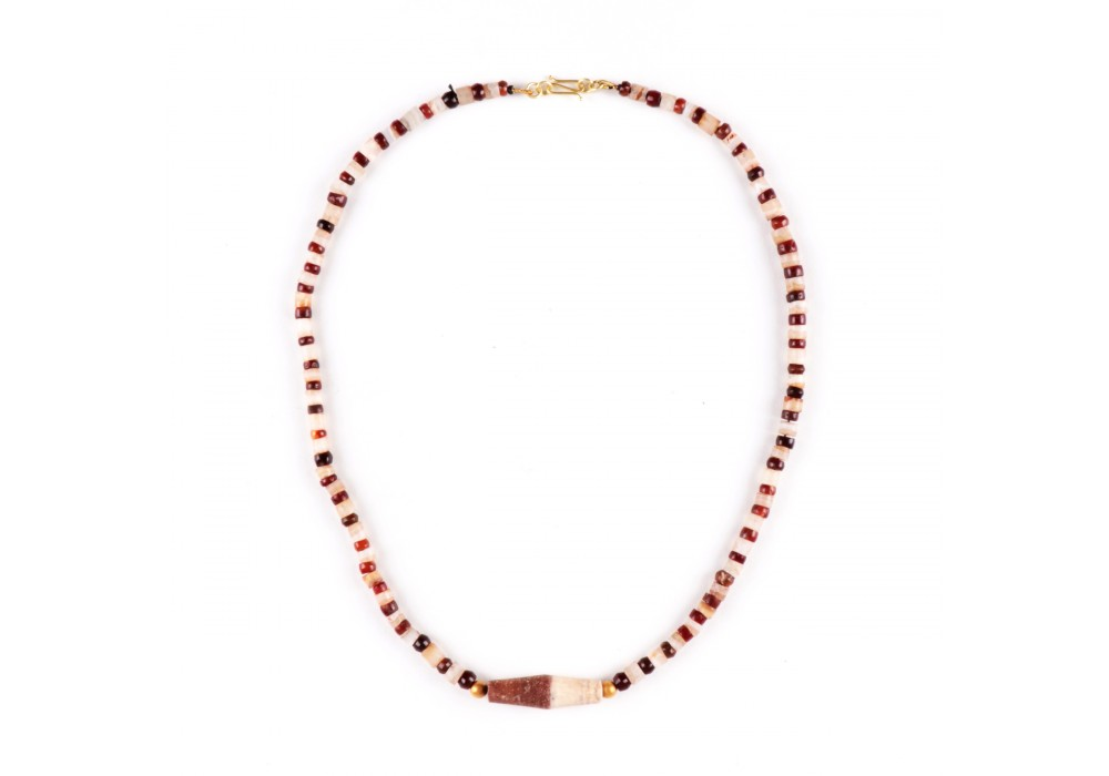 Ancient Necklace in Agate Beads