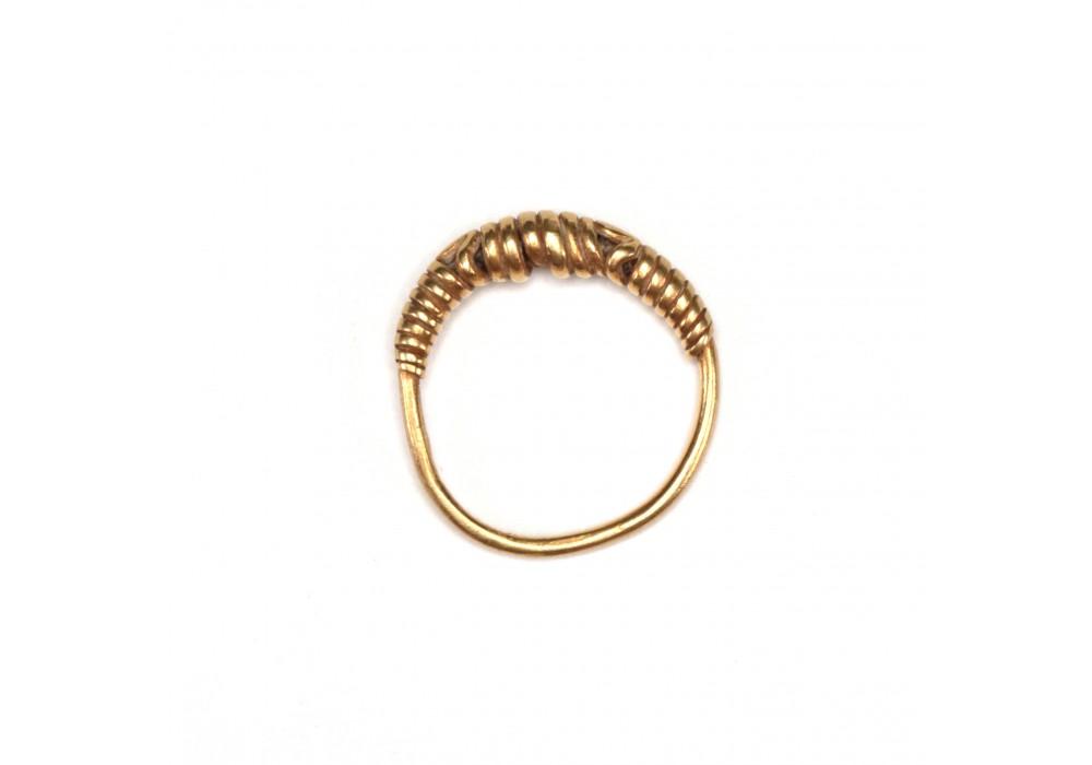 Pre-Majapahit gold Spiral Ring