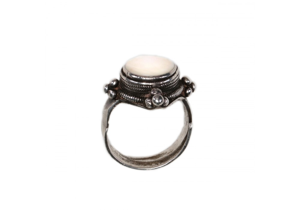 Lolo silver Ring inset with shell  - China