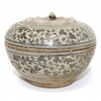 Thai Sawankhalok fruit & vine ceramic covered box