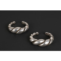 Heavy pair of twisted silver bracelets