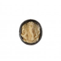 Indian silver ring with engraved ivory inlay