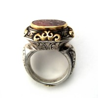 Gold and silver Seljuk Ring inset with an engraved carnelian