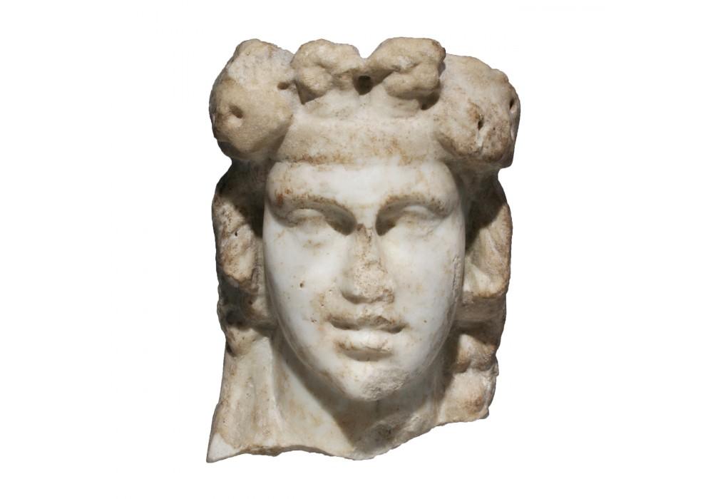 Sommet de pilier hermaïque en marbre représentant Dionysos