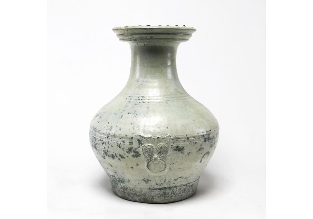 """Récipient """"Hu"""" en terre cuite, dynastie Han"""