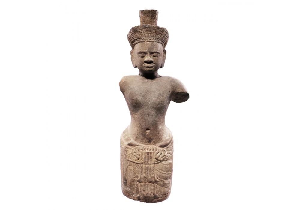 Figure en grès Khmer représentant une divinité