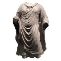 Torse en schiste Gandhara représentant Bouddha, Afghanistan, 2e - 3e s.