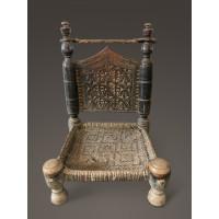 Chaise basse sculptée du nord-ouest du Pakistan