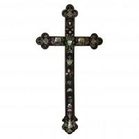 Croix catholique vietnamienne en bois de rose et incrustations de nacre