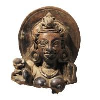 Buste féminin Gupta en terre cuite