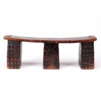 Appui-tête Zulu à trois pieds décorés de motifs géométriques