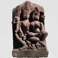 Relief de Shiva et Parvati en grès, Inde