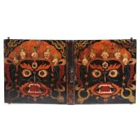 Paire de portes tibétaines ornée de dessins peints de Bhairava, 18e - 19e s.