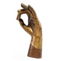 Main en bronze doré et position de