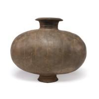 Vase cocon en terre cuite, dynastie Han