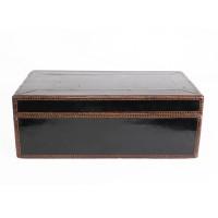 Boîte avec couvercle recouverte de laque noire, Cambodge