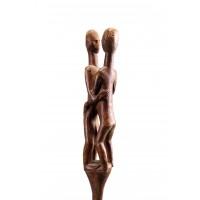 Bâton de Madagascar surmonté d'un couple de figures s'embrassant