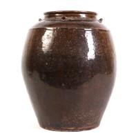 Jarre Martaban en grès émaillé brun foncé, époque Song