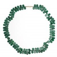 Collier de perles en forme de goutte, verre opaque, République Tchèque, millieu 20e s.
