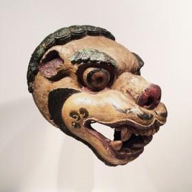 Masque lion Tibétain en bois polychrome