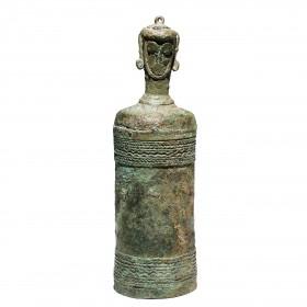 Pot à chaux en bronze avec couvercle anthropomorphique