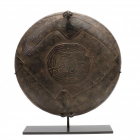 Papua New Guinea wood carved bowl from the Boiken area