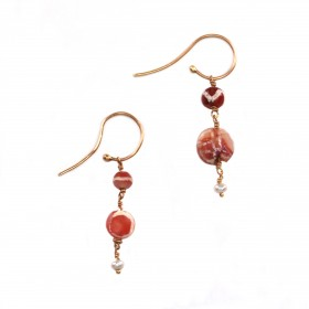 ISA B // Paire de boucles d'oreilles en perles de cornaline gravée