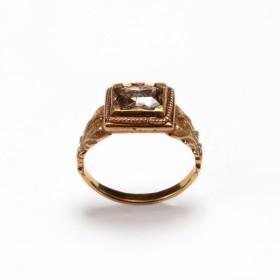 Bague en or incrusté d'un diamant, Birmanie